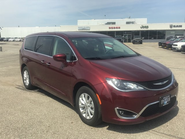 Certified Pre-Owned 2018 Chrysler Pacifica Touring Plus